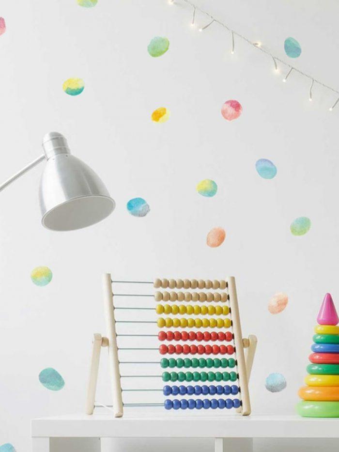 Kit pequenos adesivos de parede confetes coloridos aquarela